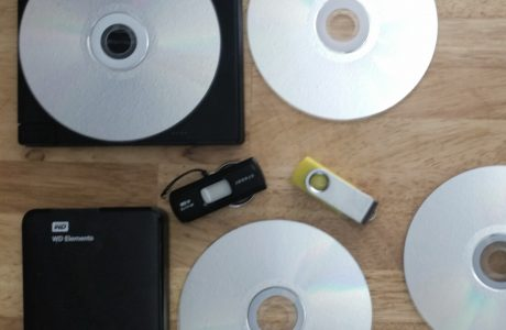 disks & thumbs storage